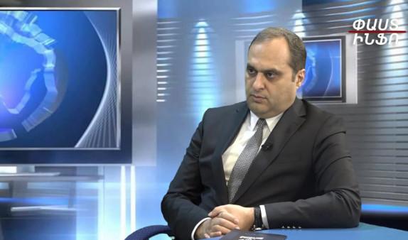 Փաշինյանը Արցախի մասին հնչեցրեց բարձրագոչ խոսքեր ու մենք կորցրեցինք Արցախի մեծ մասը, հիմա սկսել են ՀՀ-ի մասին հնչել նմանտիպ խոսքեր, ինչը նշանակում է, որ հերթը Հայաստանինն է, ես անհանգստանում եմ – Արա Զոհրաբյանը
